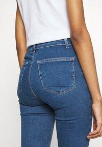 Topshop - JONI  - Jeans Skinny Fit - blue denim - 4