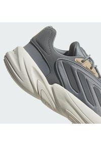 adidas Originals - OZELIA - Trainers - white - 10