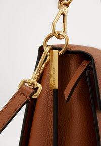 Coccinelle - LOUISE - Handbag - caramel/ginger - 3