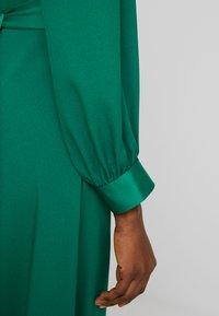 Closet - CLOSET HIGH NECK SKATER DRESS - Denní šaty - green - 6
