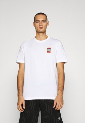SPORTS INSPIRED SHORT SLEEVE TEE - T-shirt z nadrukiem - white