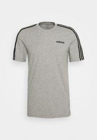 adidas Performance - ESSENTIALS SPORTS SHORT SLEEVE TEE - T-shirt imprimé - medium grey heather/black - 3