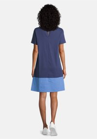 Vera Mont - MIT FARBVERLAUF - Day dress - dark blue/light blue - 1