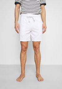 Hollister Co. - LOUNGE BOTTOM OTTOMAN SHORTS - Pyžamový spodní díl - white - 0