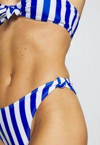 Missguided - STRIPE BANDEAU WITH SCRUNCHIE - Bikini - blue - 6