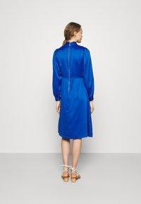 Closet - HIGH COLLAR A-LINE DRESS - Cocktail dress / Party dress - cobalt - 2