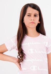 Champion - Print T-shirt - pink - 2