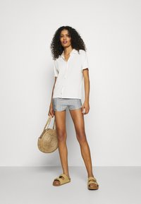 American Vintage - TAINEY - Shorts - white - 1