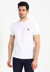 Timberland - CREW CHEST - Basic T-shirt - white - 0