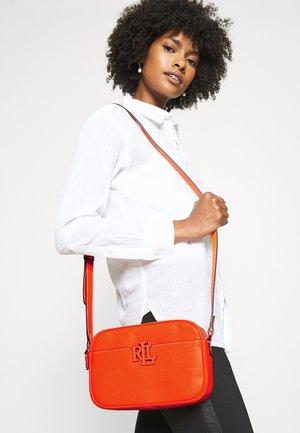 CARRIE CROSSBODY SMALL - Across body bag - nautical orange