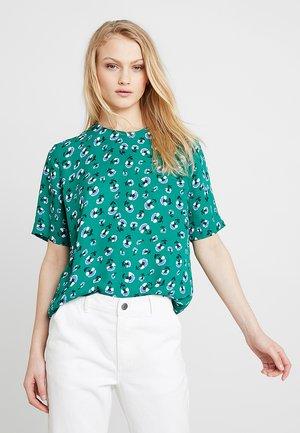 AMABEL - Bluse - green carnation