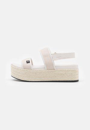 PLATFORM SLING - Sandály na platformě - white/sand