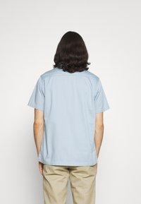Dickies - WOLVERTON  - Skjorter - fog blue - 2