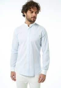 Auden Cavill - Shirt - hellblau - 2