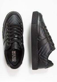 Versace Jeans Couture - FONDO CASSETTA  - Sneakers - black - 1