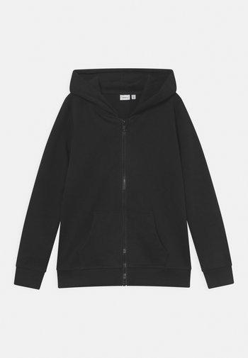 NKMNESWEAT CARD HOOD - Zip-up sweatshirt - black
