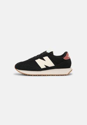 WS237 - Sneakers laag - black