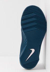 Nike Performance - METCON 5 - Zapatillas de entrenamiento - vivid purple/valerian blue/barely rose - 4