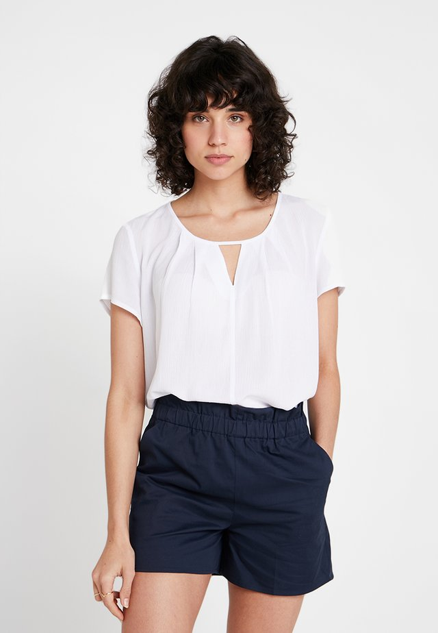 BLOUSE WITH PLEAT DETAIL - Blouse - white