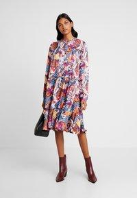 Custommade - FILULA - Shirt dress - roan rouge - 1