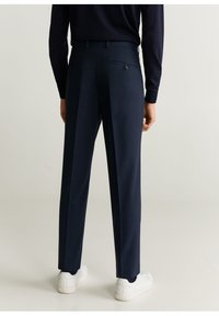 Mango - TRAVEL - Suit trousers - dunkles marineblau - 2