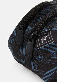 adidas Originals - MONOGR WAISTBAG - Bum bag - black - 3