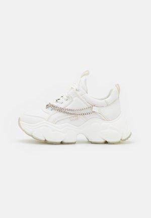 VEGAN BINARY CHAIN - Sneakers basse - white/silver