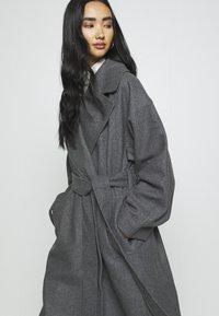 Weekday - KIA BLEND COAT - Zimní kabát - antracit melange - 3