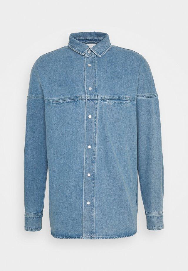 ISAC - Camisa - blue denim