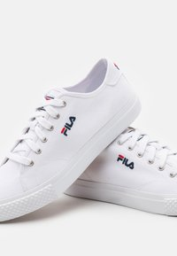 Fila - Trainers - white - 5