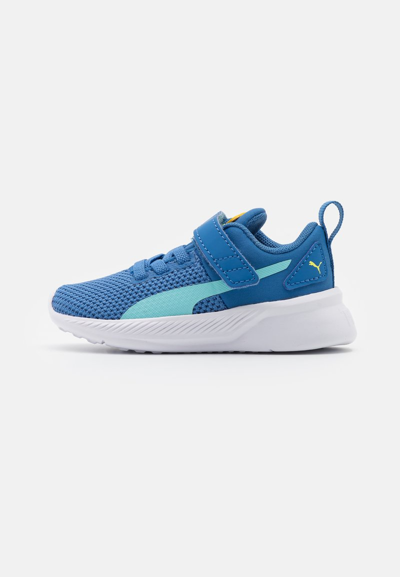 Puma - FLYER RUNNER UNISEX - Neutral running shoes - star sapphire/blue