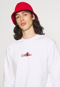 Calvin Klein - SUMMER CENTER LOGO - Felpa - bright white - 3