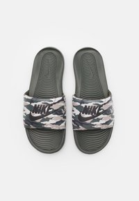 Nike Sportswear - VICTORI ONE SLIDE PRINT - Matalakantaiset pistokkaat - sequoia/desert sand/cargo khaki/stone - 3
