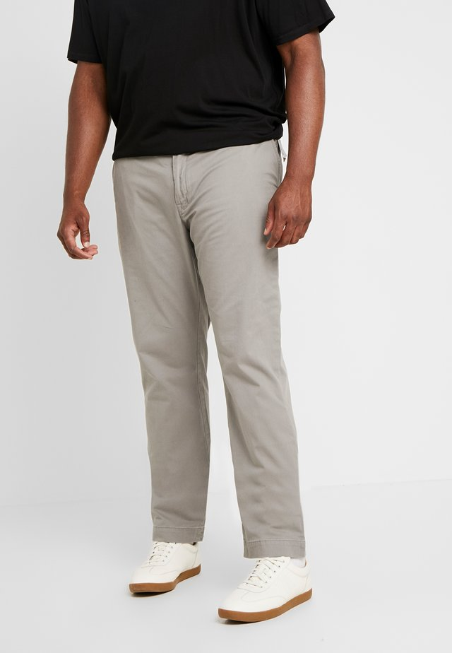 CLASSIC FIT BEDFORD PANT - Pantaloni - athletic grey