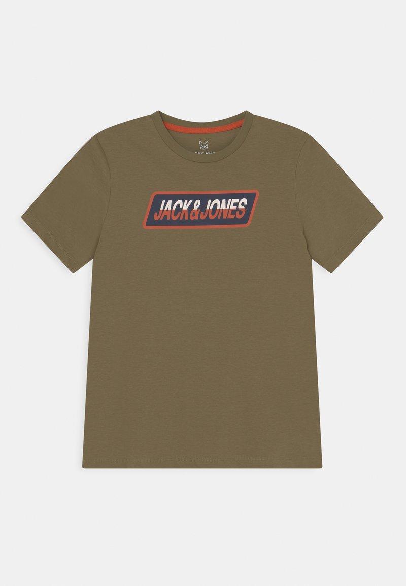Jack & Jones Junior - JORSWIRLE BIG TEE CREW NECK JR - Print T-shirt - martini olive