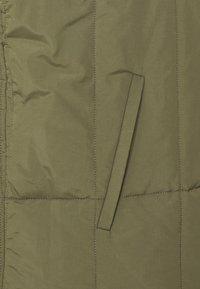 Folk - REVERSIBLE FOG GILET - Veste sans manches - olive - 4