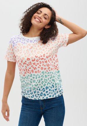 MAGGIE COLOURED LEOPARD - Print T-shirt - white
