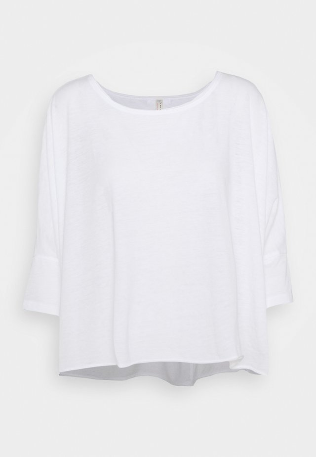 BURN BABY BURN TEE - Langærmede T-shirts - white