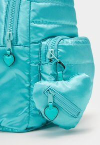 Guess - TILLY SMALL BACKPACK - Mochila - green - 3