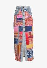 FAL GRECIA - Maxi skirt - granate medio