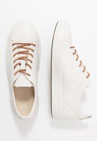 ECCO - ECCO SOFT 8 W - Sneakersy niskie - white - 3