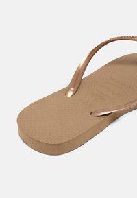 Havaianas - SLIM CRYSTAL SWAROVSKI - Pool shoes - rose gold - 6