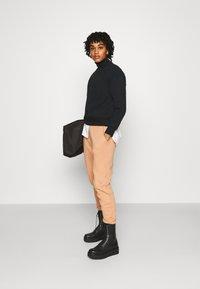 Even&Odd - High Neck Sweatshirt - Sweatshirt - black - 1