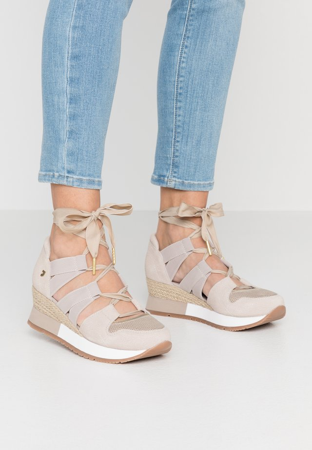 SAVOCA - Sneakers laag - beige