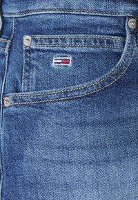 Tommy Jeans - HOTPANT - Džínové kraťasy - ames - 5