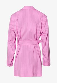 Weekday - JEAN - Abrigo corto - pink - 1