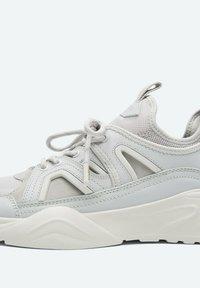 Uterqüe - Sneakers laag - grey - 4