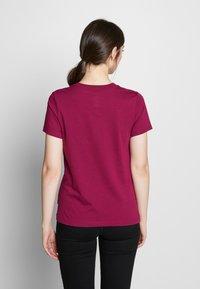Converse - STAR CHEVRON LOGO TEE - T-shirt imprimé - rose maroon - 2