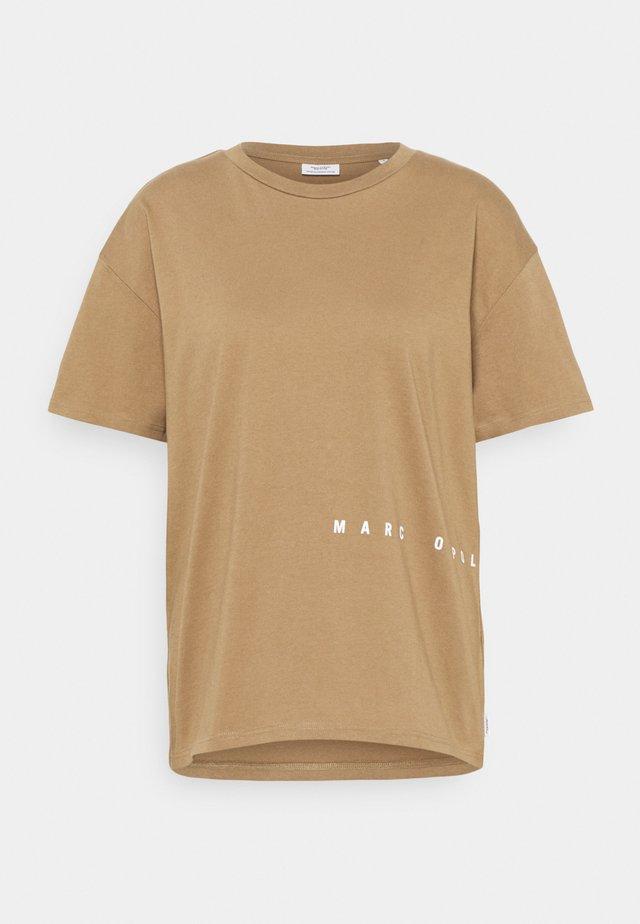 SHORTSLEEVE ROUNDNECK PRINTS - T-shirts print - milky coffee