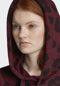 adidas Originals - BELLISTA ALLOVER PRINT CROPPED HOODIE - Sweatshirt - red - 3